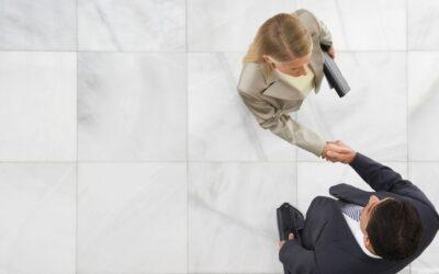 Hogyan tanulhat meg egy vállalkozó bemutatkozni?